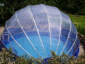 Zastřešení bazénu pro delší koupání, teplý bazén a čistou vodu jako azuro. Pro nadzemní i zapuštěné bazény.